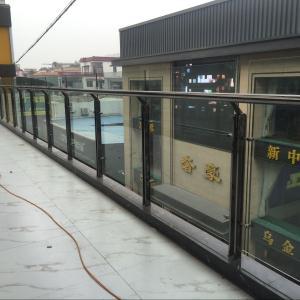 皇朝天桥黑钛立柱挂玻璃护栏