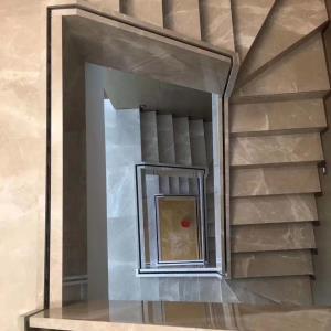 玻璃槽大理石包边现场图