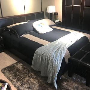 时尚实木床