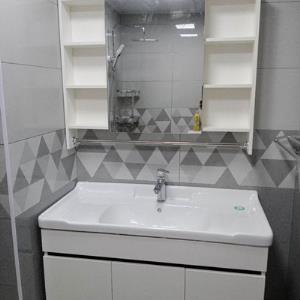 清风白色-100生态木浴室柜